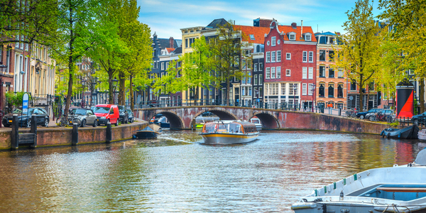 7 Ways To Recognise A Dutch Tourist